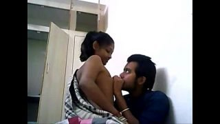 .com – Indian College Couple Fucking On A WebCam