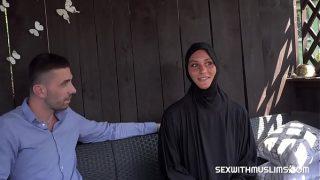 CZECH BITCH NAOMI BENNET LEFT HER HİNDU HUSBAND FOR A HUGE COCK
