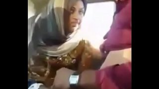 Maa ki bahen ko choda car mei cute babe having hot fuck in the car with hubby