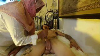Massagem tailandesa desi com final feliz
